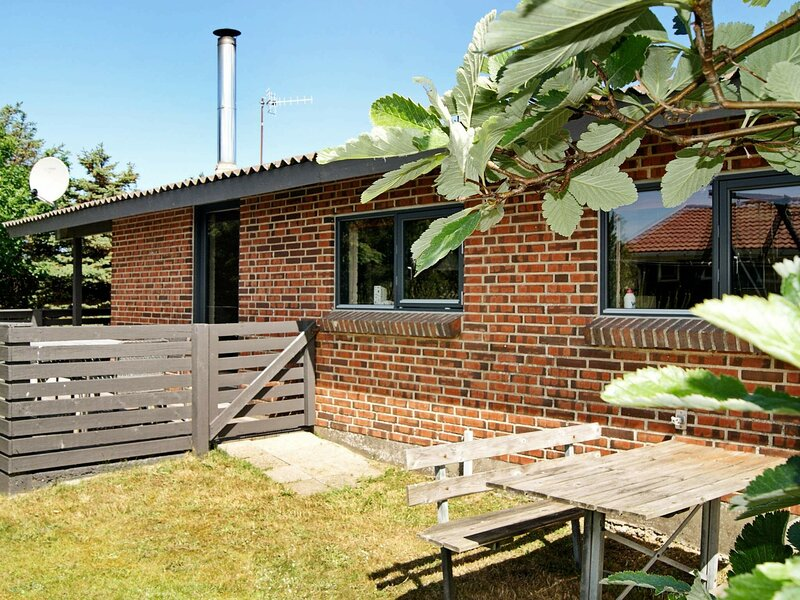 Tranquil Holiday Home in Thisted with Sauna, holiday rental in Skyum