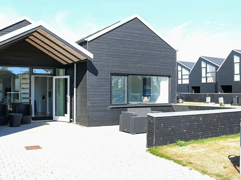 Balmy Holiday Home in Hadsund with Whirlpool, casa vacanza a Mariagerfjord Municipality