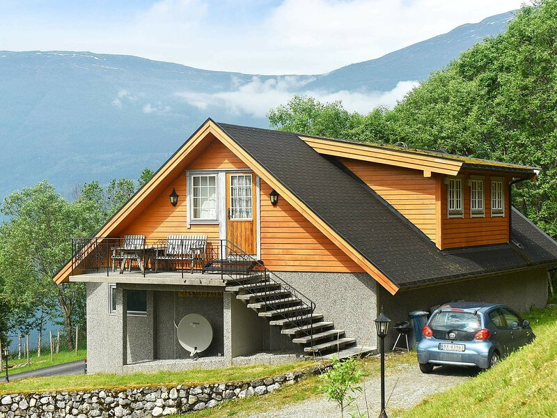8 person holiday home in Olden, holiday rental in Stryn