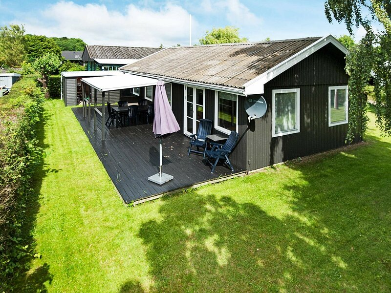 Contemporary Holiday Home in Juelsminde with Terrace, location de vacances à Odder
