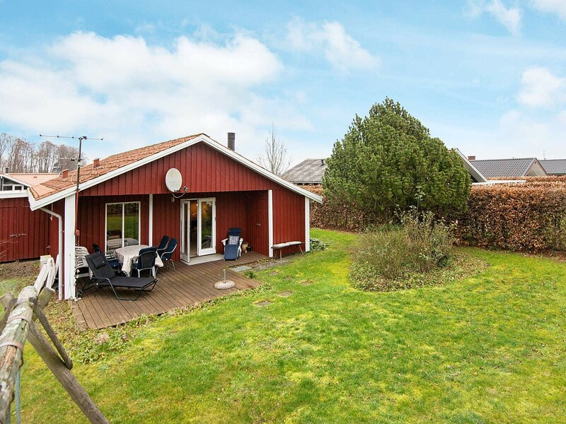 Classic Holiday Home in Bjert with Terrace, holiday rental in Vejen