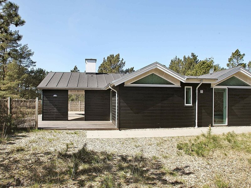 Picturesque Holiday Home in Ålbæk with Sauna, holiday rental in Hulsig
