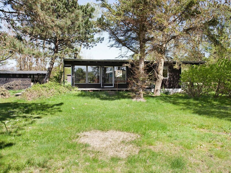 Cozy Holiday Home in Gørlev Zealand With Terrace, holiday rental in Kalundborg Municipality