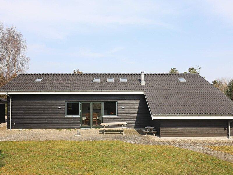 Pleasant Holiday Home in Jutland with Whirlpool, vacation rental in Geraa