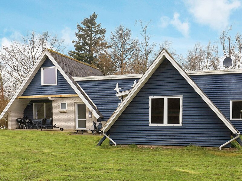 Spacious Holiday Home in Jutland Near the Fjord, holiday rental in Viborg