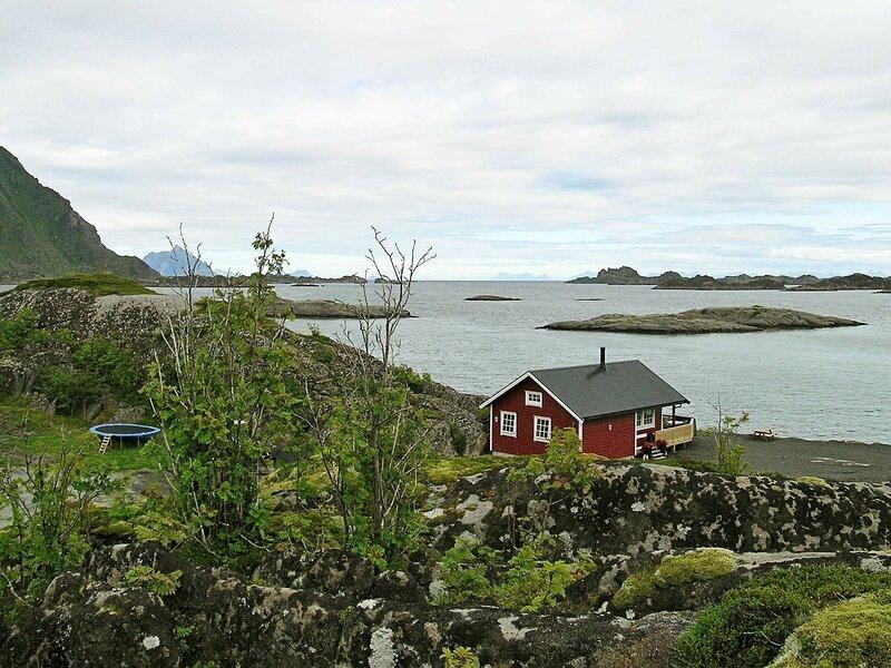 4 star holiday home in SENNESVIK, location de vacances à Ballstad