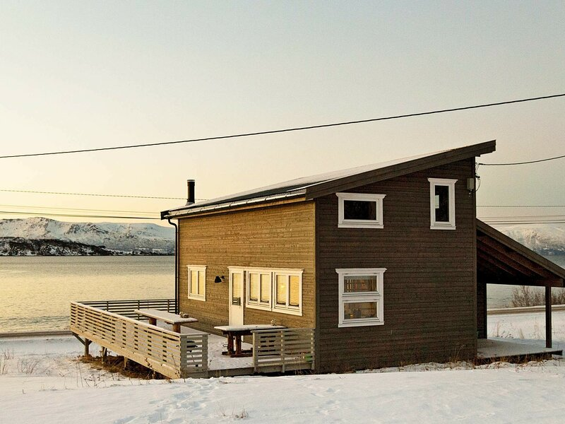 6 person holiday home in Nord-Lenangen, holiday rental in Lyngseidet