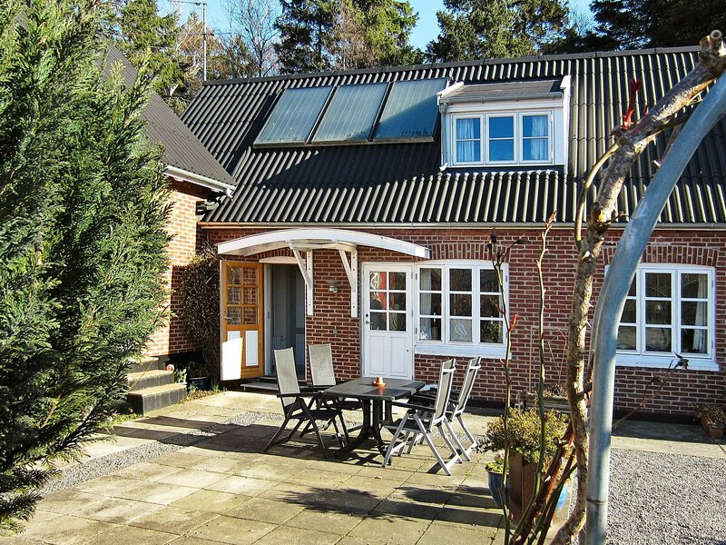 Quaint Holiday Home in Nexø Bornholm With Roofed Terrace, holiday rental in Balka