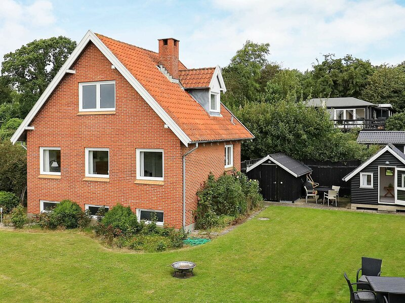 Gorgeous Holiday Home in Ebberup Near Sea, holiday rental in Millinge