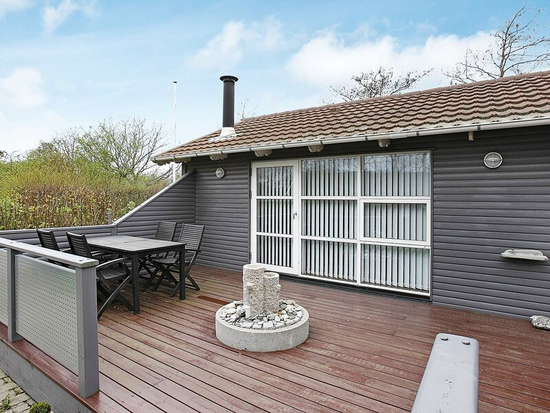 Cozy Holiday Home in Vestervig Jutland With Terrace, holiday rental in Hurup