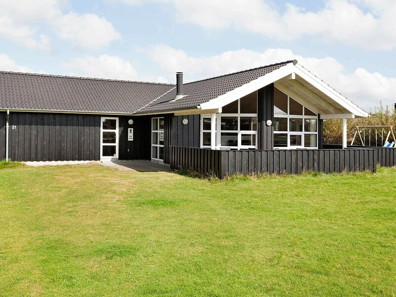 Modern Holiday Home in Fanø With Sauna, holiday rental in Fanoe
