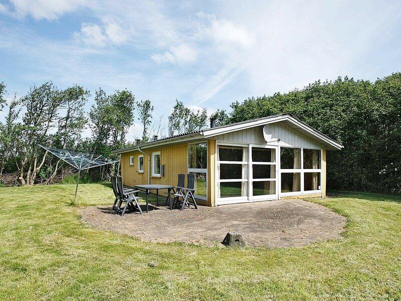 Rustic Holiday Home in Hurup Jutland With Terrace, holiday rental in Hurup