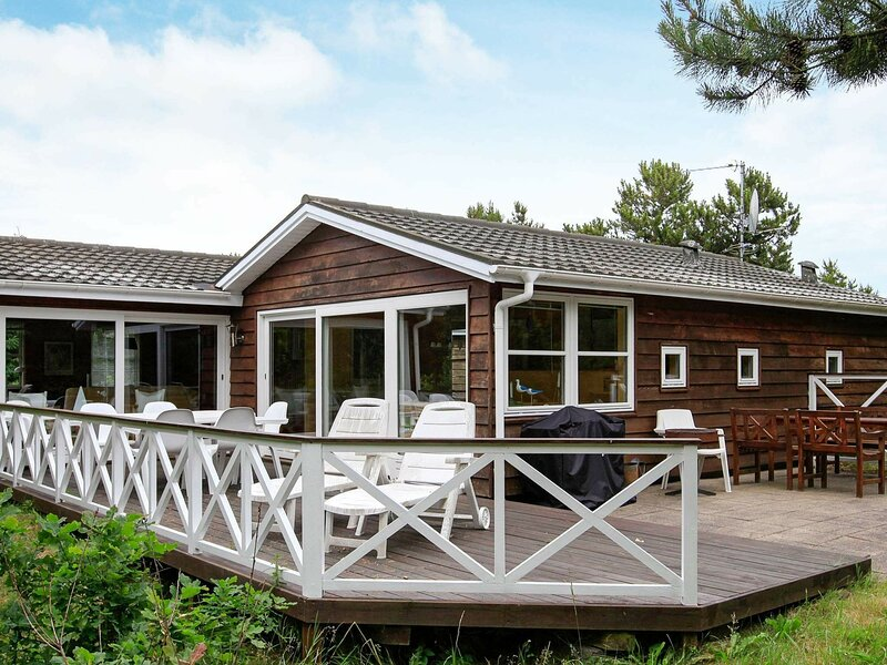 Rustic Holiday Home in Logstor Near Beach, holiday rental in Vesthimmerland Municipality