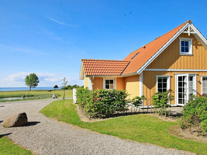 Peaceful Holiday Home in Brenderup With Ocean View, location de vacances à Brenderup