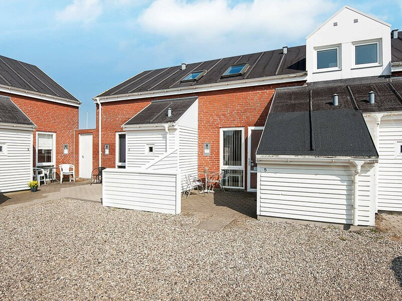 Vibrant Holiday Home in Jutland with Swimming Pool, holiday rental in Ballum