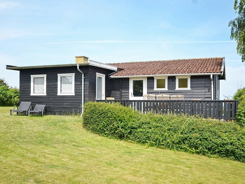 Modern Holiday Home in Funen with Terrace, location de vacances à Brenderup