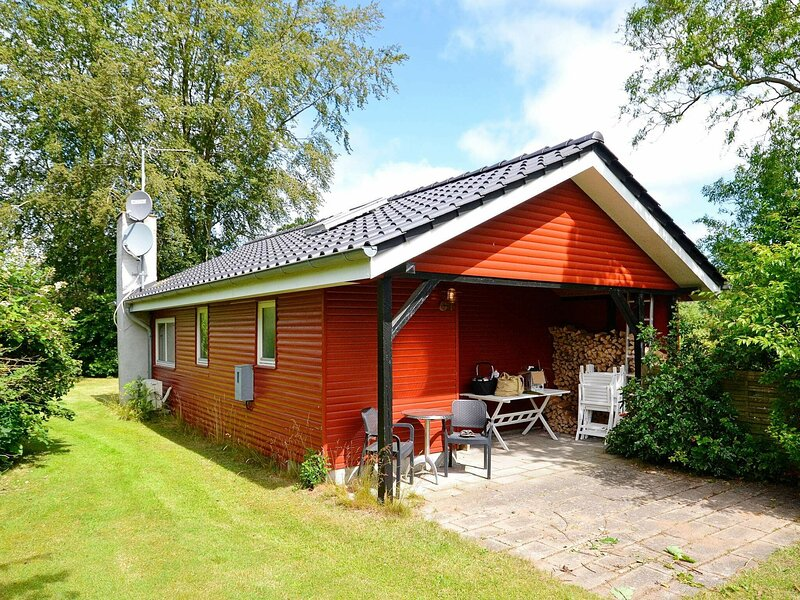 Elegant Holiday Home in Funen with Terrace, holiday rental in Dalby