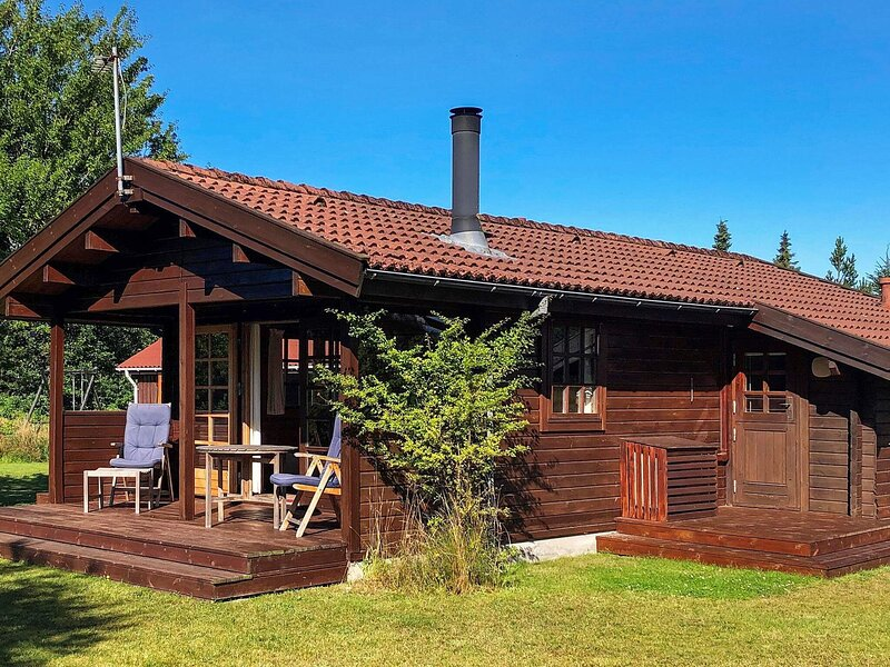 Serene Holiday Home in Jerup with Terrace, vacation rental in Bratten