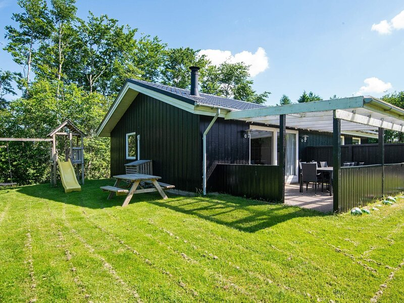 4 star holiday home in Toftlund, holiday rental in Ribe