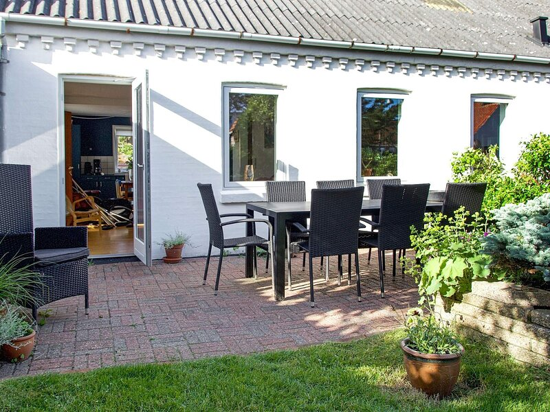 8 person holiday home in Lemvig, holiday rental in Ferring