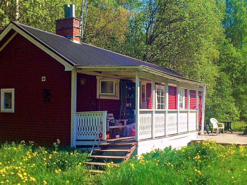 8 person holiday home in BOLLNÄS, vacation rental in Midnight Sun Coast