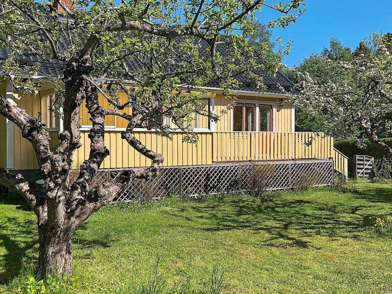 5 person holiday home in VÄDDÖ, location de vacances à Vaddo