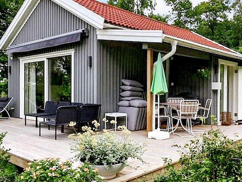 6 person holiday home in LJUNGSKILE, location de vacances à Stenungsund