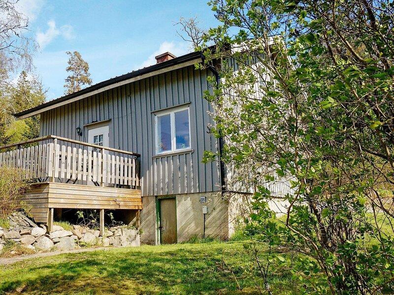 4 person holiday home in UDDEVALLA – semesterbostad i Trollhättan
