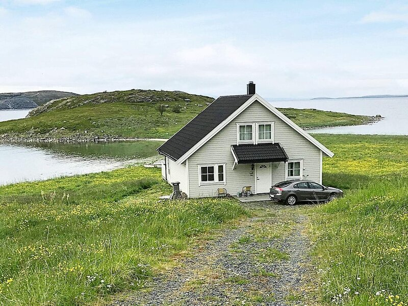 4 star holiday home in Lebesby, holiday rental in Finnmark