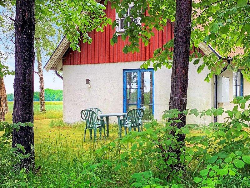 3 person holiday home in YNGSJÖ, location de vacances à Brosarp