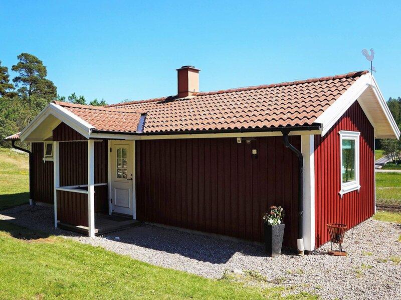 2 person holiday home in Ucklum, location de vacances à Stenungsund