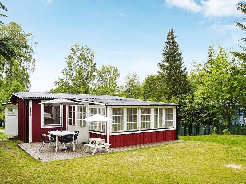 6 person holiday home in ÅRSTA HAVSBAD, location de vacances à Sibble