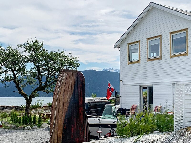7 person holiday home in TØRRVIKBYGD, casa vacanza a Jondal Municipality