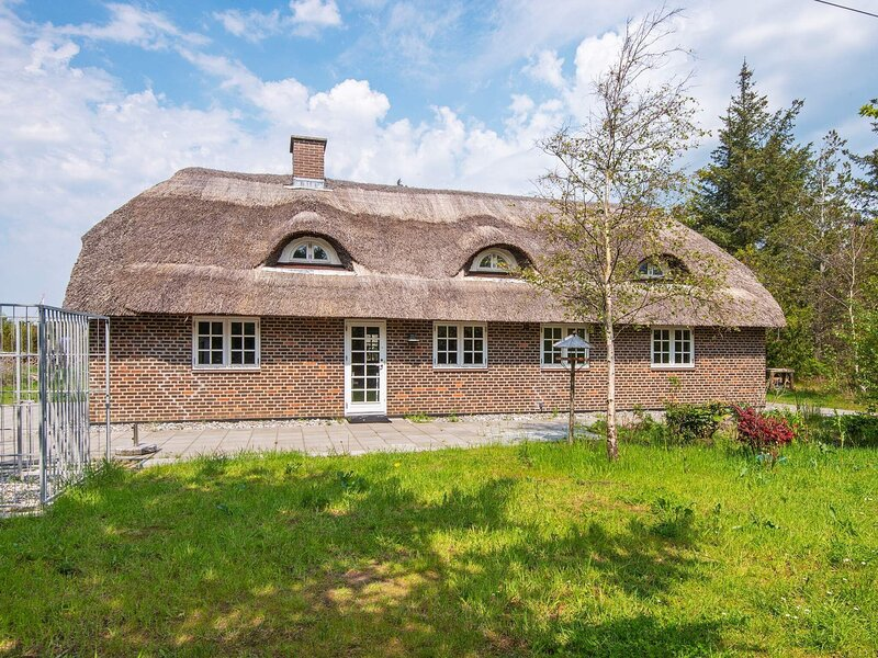 8 person holiday home in Ulfborg, holiday rental in Vederso Klit