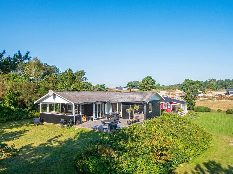 4 star holiday home in Ebeltoft, holiday rental in Balle