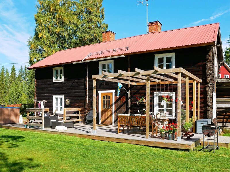 7 person holiday home in JÄDRAÅS, vacation rental in Midnight Sun Coast