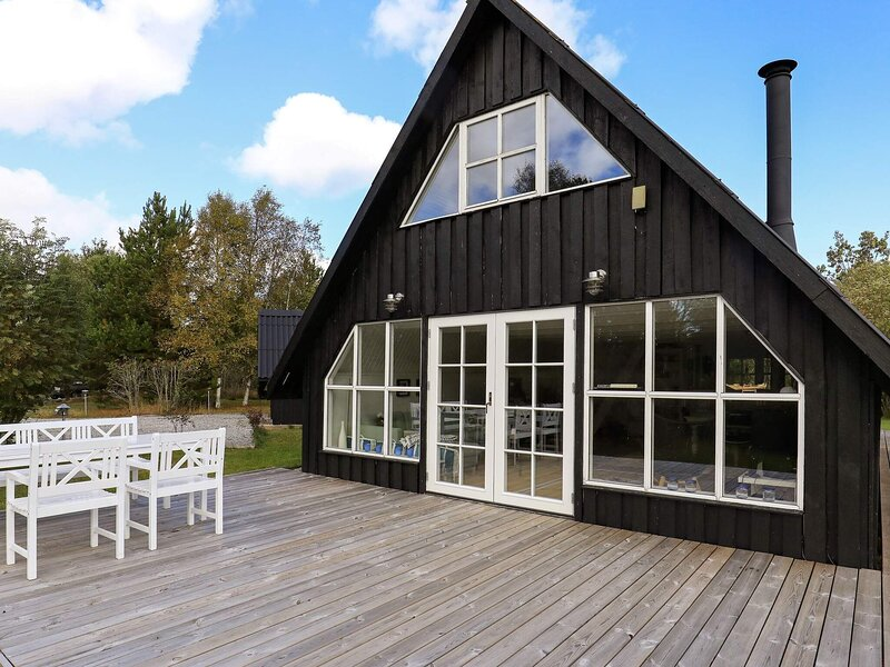 6 person holiday home in Hals, holiday rental in Aalborg