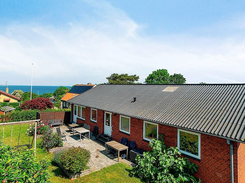 8 person holiday home in Allinge, holiday rental in Hasle