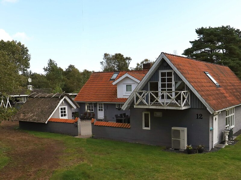 8 person holiday home in Hals, vacation rental in Geraa