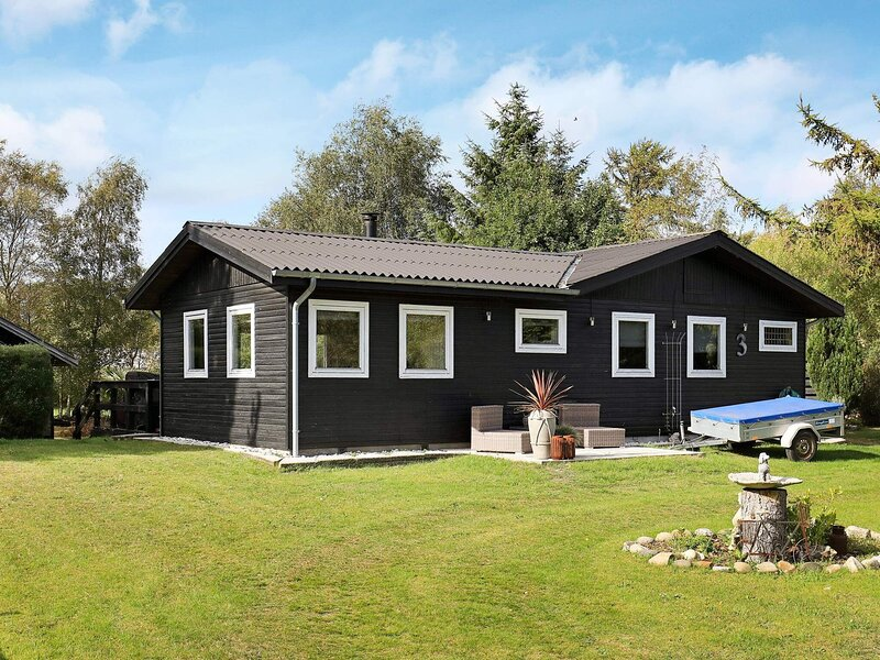 4 person holiday home in Hals, holiday rental in Aalborg