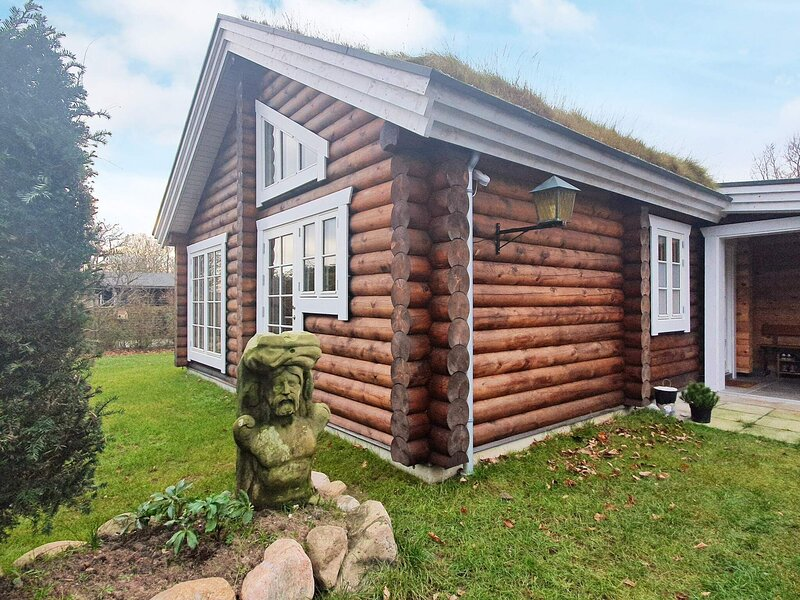 5 star holiday home in Dronningmølle, holiday rental in Gribskov Municipality