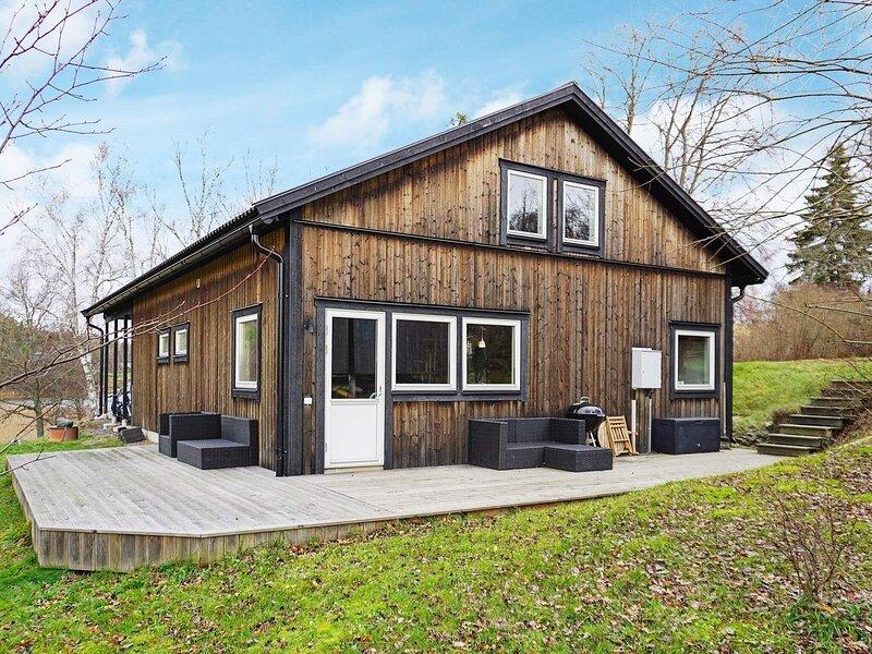 5 person holiday home in ÖSMO, location de vacances à Sibble