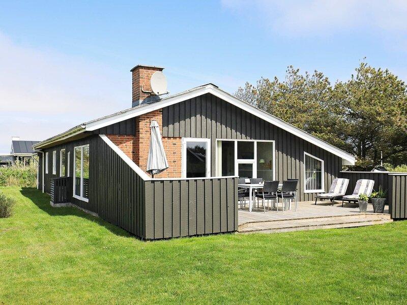 6 person holiday home in Løkken, holiday rental in Bronderslev