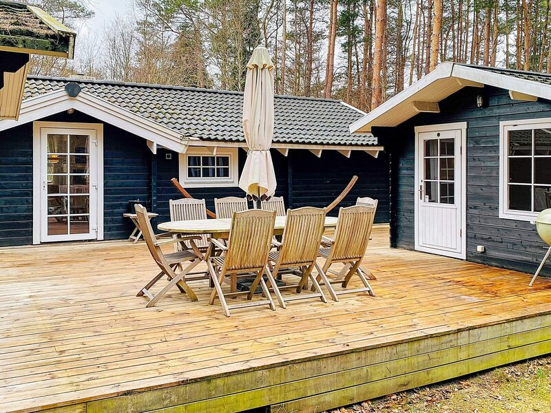 4 star holiday home in Rønde, casa vacanza a Hornslet