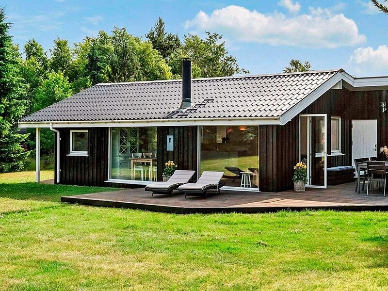 4 star holiday home in Hals, holiday rental in Aalborg