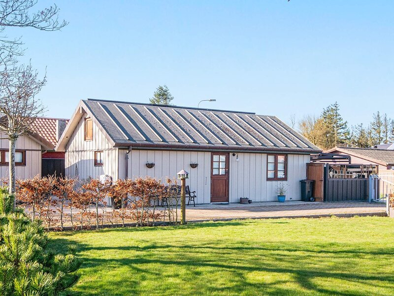 5 star holiday home in Esbjerg V, casa vacanza a Esbjerg