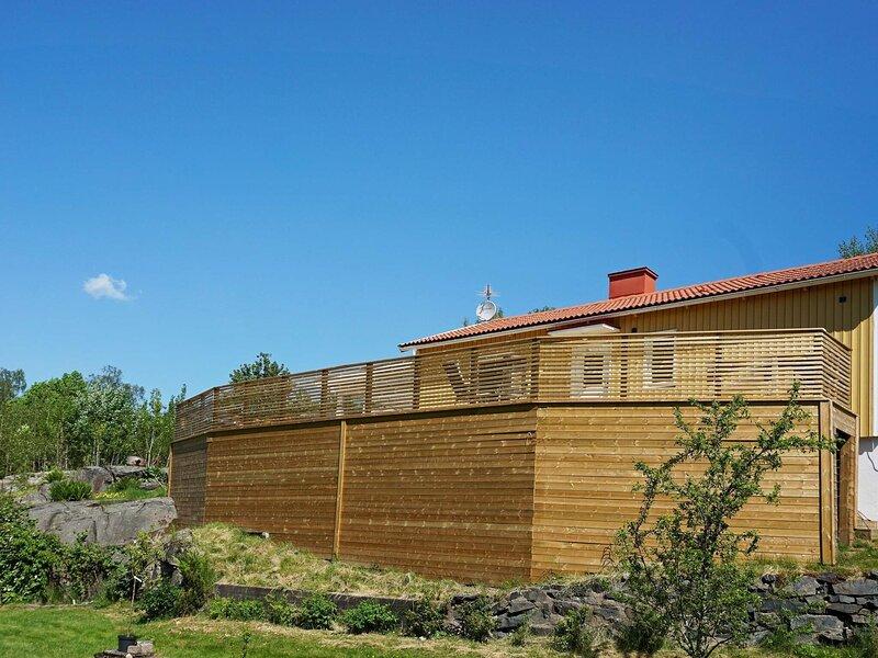 4 person holiday home in Harestad, alquiler vacacional en Stora Dyron