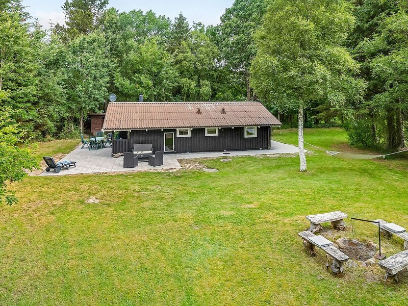 6 person holiday home in Ålbæk, holiday rental in Hulsig