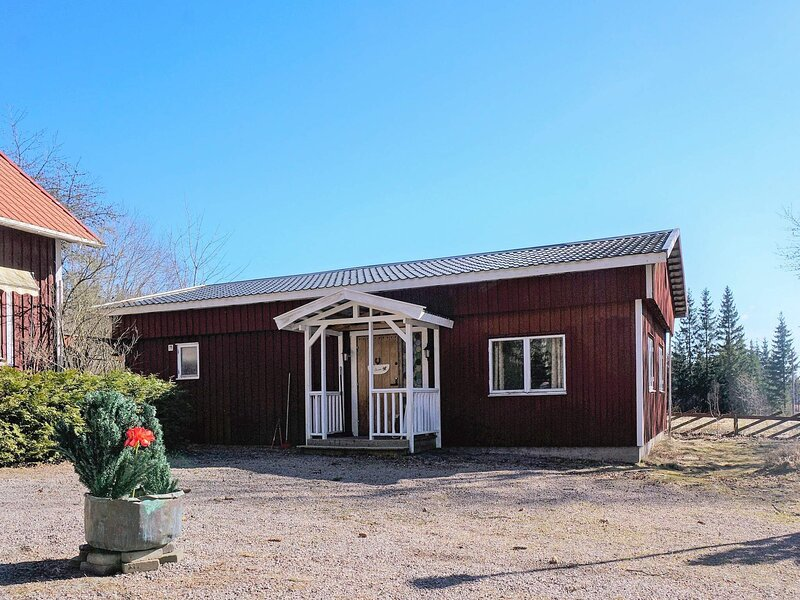 4 person holiday home in TIDAHOLM, holiday rental in Mullsjo