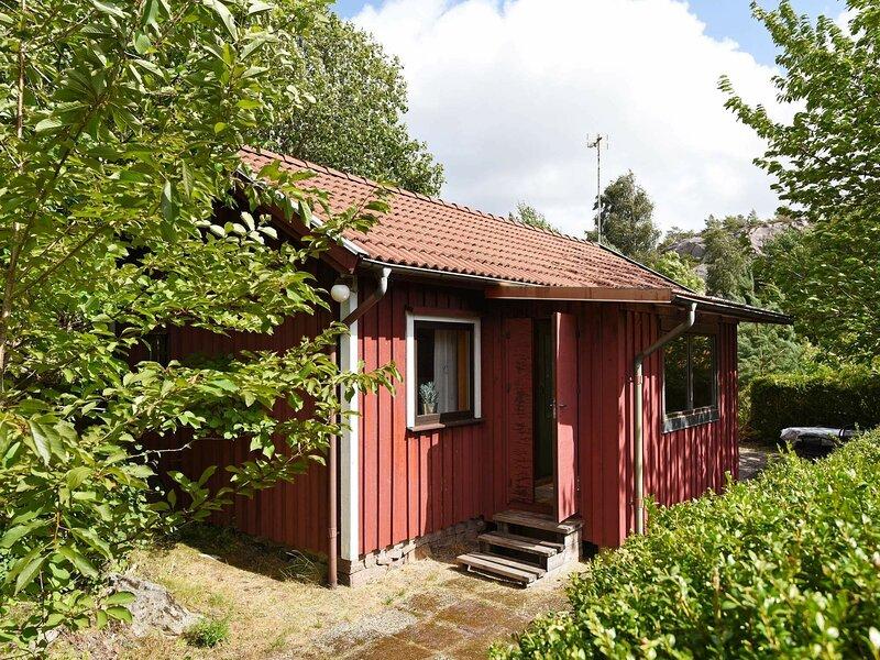 4 person holiday home in Brastad – semesterbostad i Fiskebäckskil